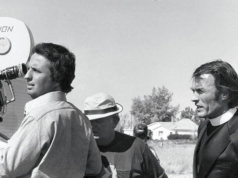 michael-cimino-and-clint-eastwood-on-the-set-of-thunderbolt-and-lightfoot