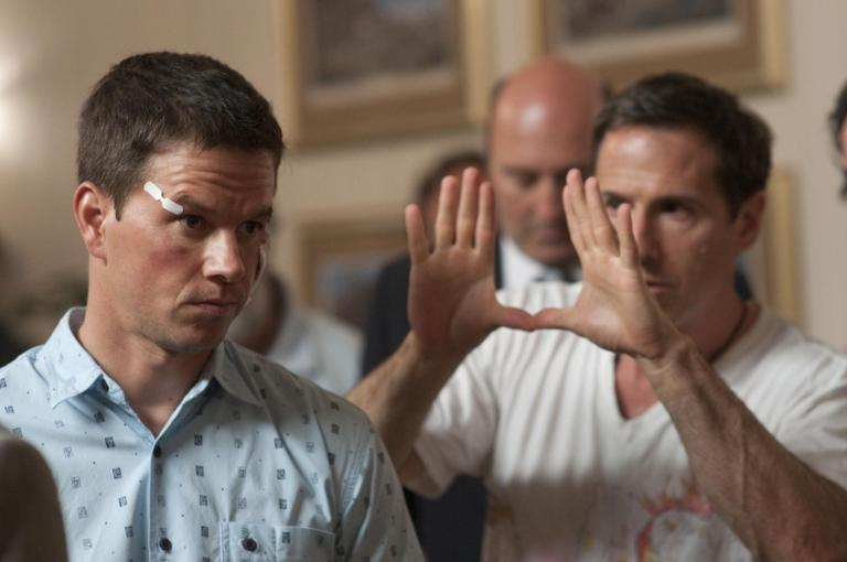 mark-wahlberg-and-david-o-russell-in-the-fighter-2010-large-picture